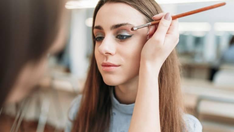 The Benefits of Eyelash and Eyebrow Tinting