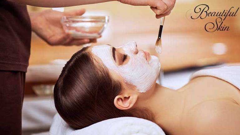7 Ways Facials Improve Skin Health